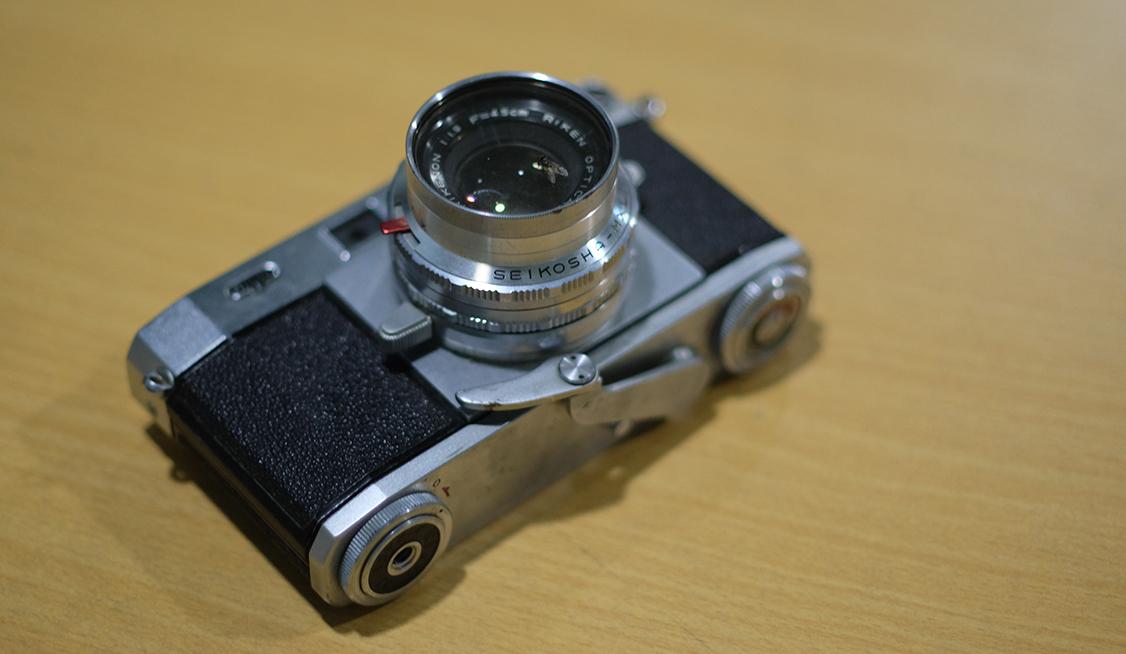 thiết bị quay phim chụp hình cổ